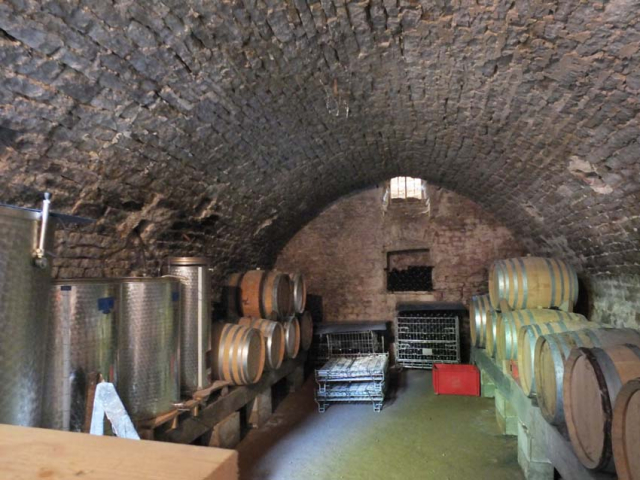 1mesnay_cellar_vessels