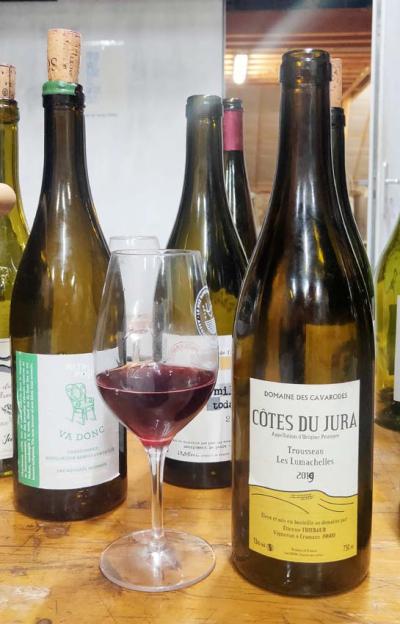 1nez_dans_le_verre_bottle8_cavarodes_trousseau