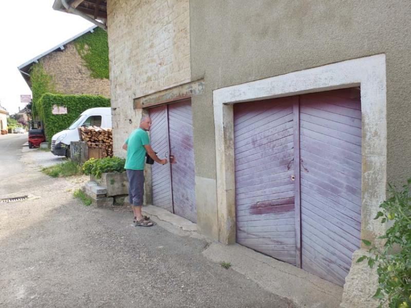 1bruyere-houillon_opening_cellar