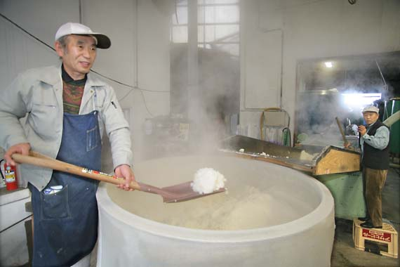 Himonoya_sake_steamed_rice1