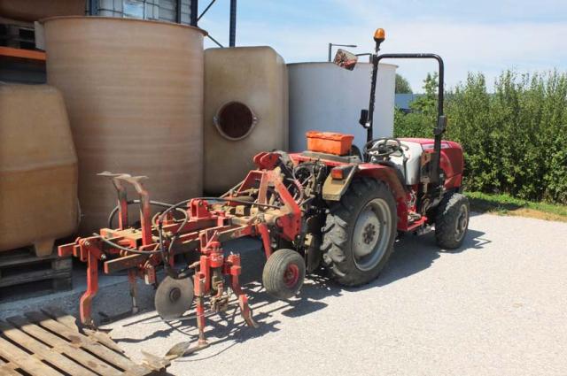 1alice_bouvot_tracteur_vigneron