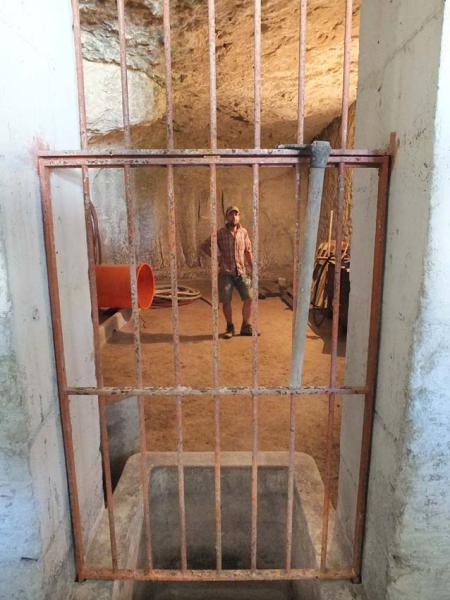 1thomas_puechavy_cellar_decant_barrel_room