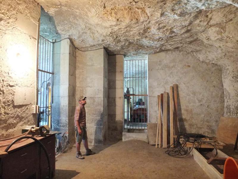 1thomas_puechavy_cellar_barrel_room