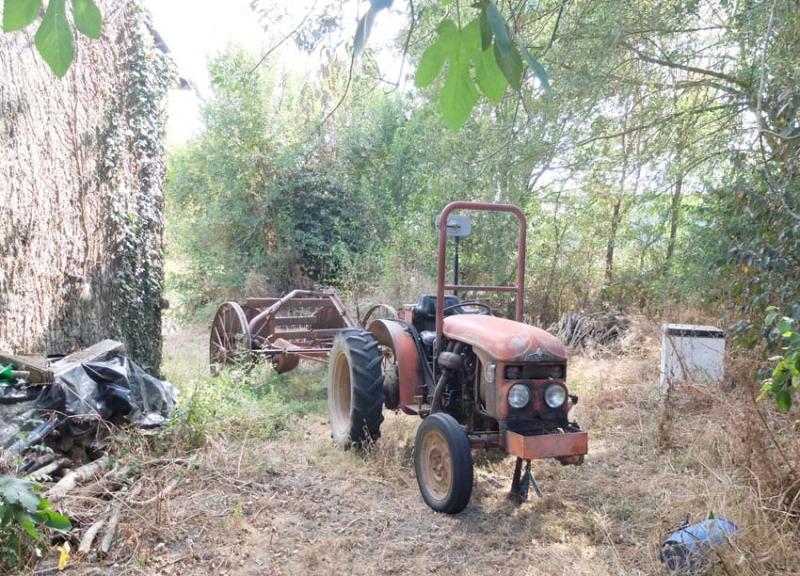 1haquet_sisters_house_beaulieu_tractor1