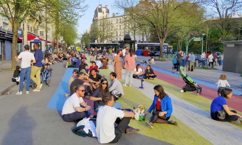 1wn_paris_pavement_terraces