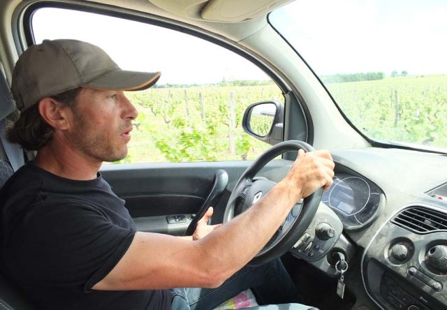 1cambalu_driving_to_parcels