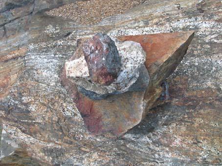 Ontario_stones_bonfield_2